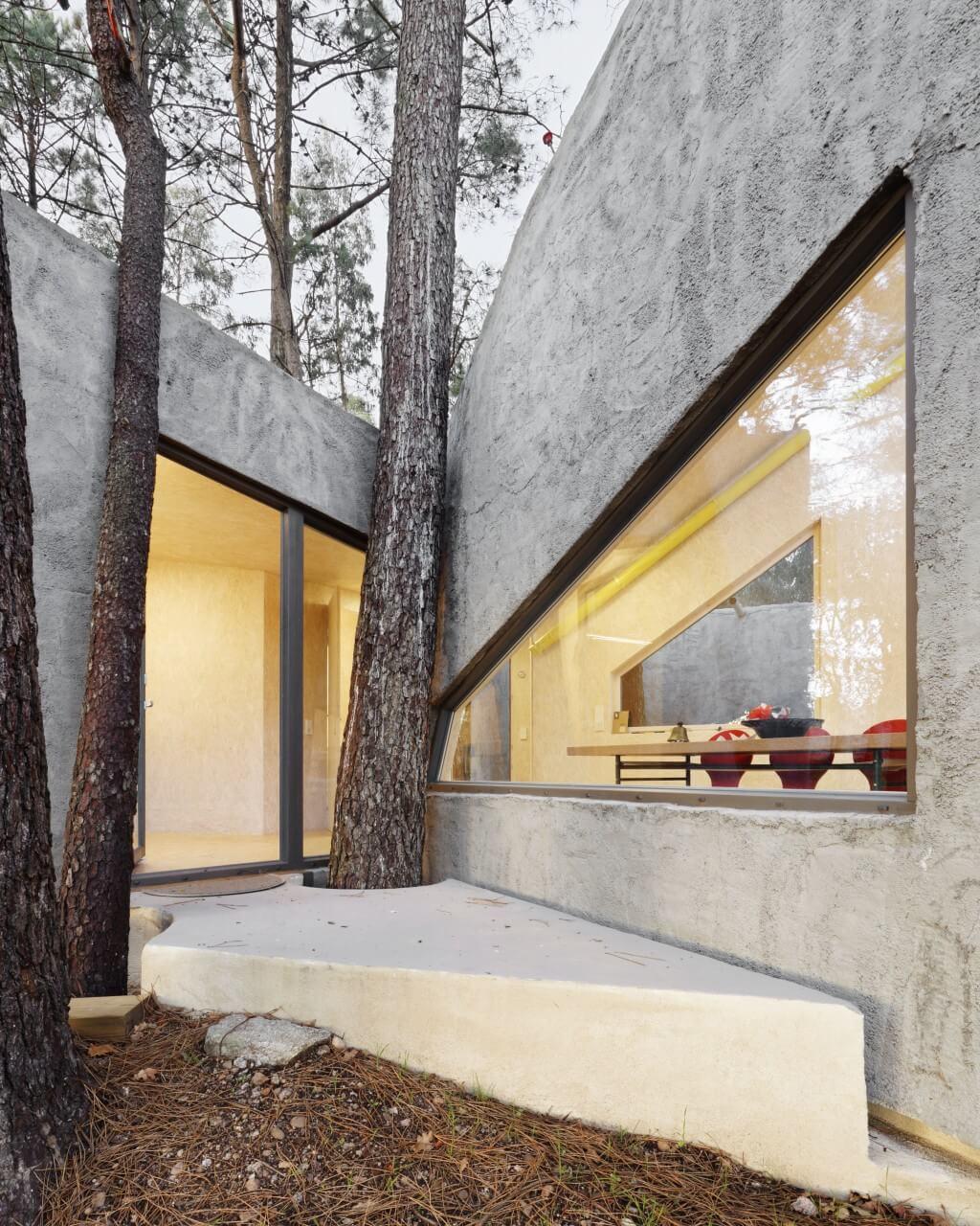 """Proyecto """"La Casa Crisálidad"""" del estudio Mauro Lomba. Fachada. Fotografía de Adrián Capelo."""