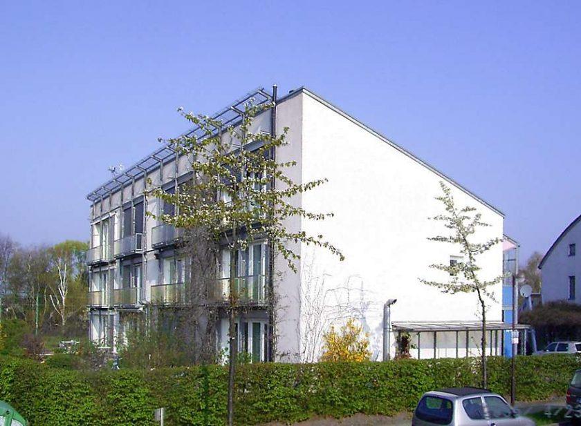 Primer edificio Passivhaus. Imagen bajo licencia CC BY-SA 3.0. Autor original: Passivhaus Institut.