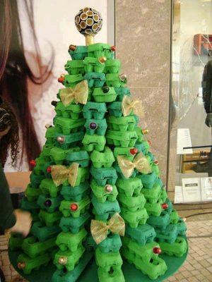 como-hacer-un-pino-de-navidad-con-cajas-de-huevo