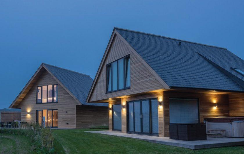Casas de madera ventajas tipos y ejemplos arquitectura sostenible - Tejado de pizarra ...