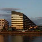 4 ejemplos de edificios de energía positiva