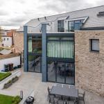 Una casa en Wells (Reino Unido) que incorpora Thermoslate®, la cubierta solar térmica de pizarra natural